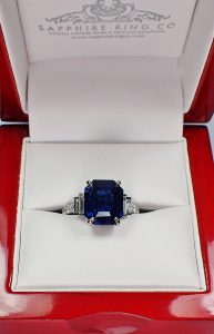 natural-sapphire-and-diamonds-ring