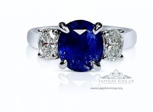 blue-sapphire-ring-3-stone
