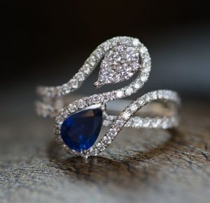 Fancy-blue-sapphire-and-diamonds-ring