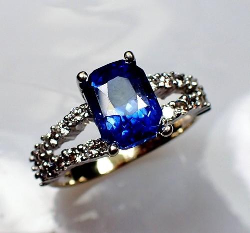 Custom order - 2.92 ct Blue Emerald cut Ceylon Sapphire Set into Customers Ring