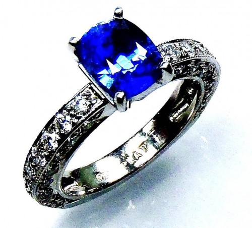 Untreated Platinum 3.14 tcw blue cushion cut Ceylon sapphire & diamond ring - GIA G. G appraisal $12,561.32