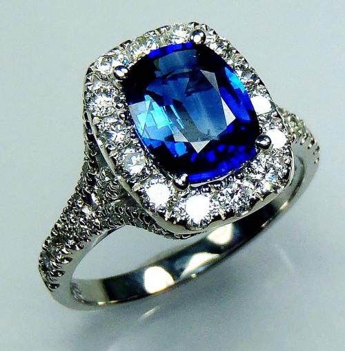 GIA Certified Platinum 2.65 tcw Blue Cushion Cut Natural Ceylon Sapphire & Diamond Ring - GIA G. G Appraisal value $10,076.47.**