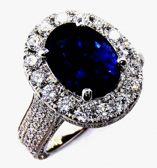 GIA Certified Platinum 3.21 ct Sapphire & Diamond Ring, oval cut Ceylon sapphire - 3020