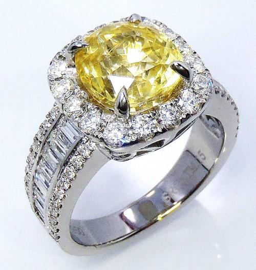 Custom Platinum 3.91 ct Cushion Cut Yellow Ceylon Sapphire & Diamond Ring - GIA certified & GIA G.G Appraisal.