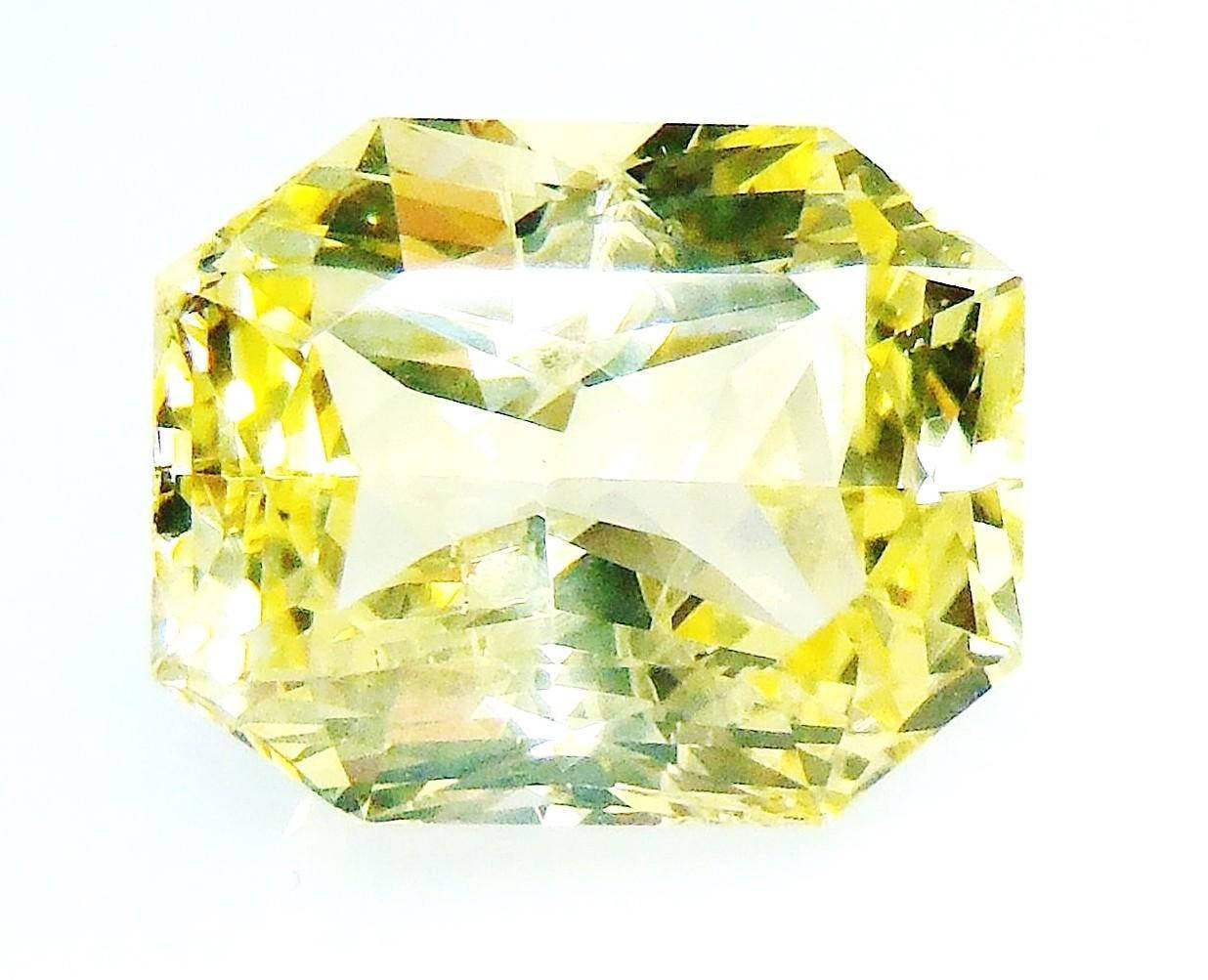 princess-cut-untreated-ceylon-sapphire